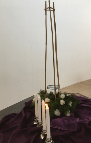 Liturgische bloemschikking 1 dec 2019 (1e advent zondag)