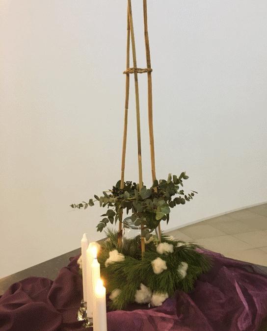Liturgische bloemschikking 8 dec 2019 (2e advent zondag)